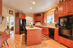 Kitchen With Island Jon Warner Custom Built Homes Lancaster Pa